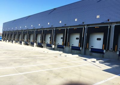 Porte sectionnelle de quai