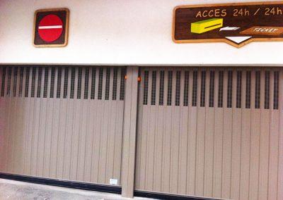 Porte basculante de parking